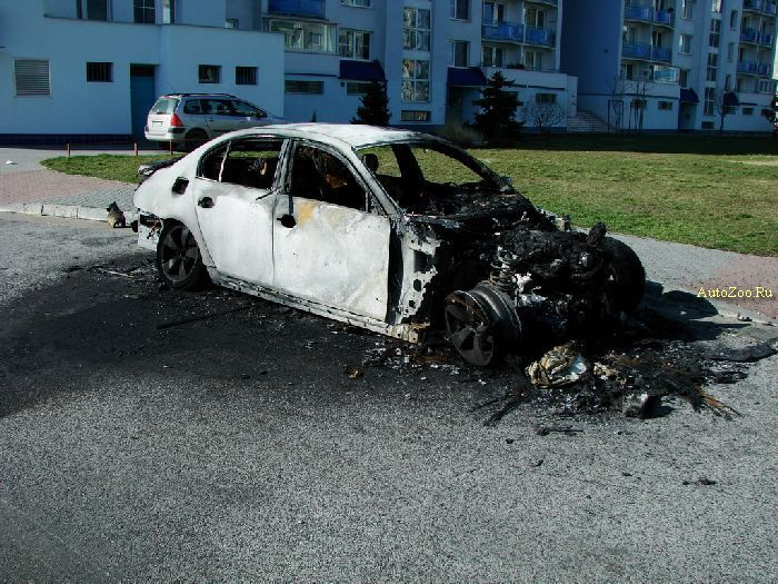 burned-bmw_30_01_1.jpg