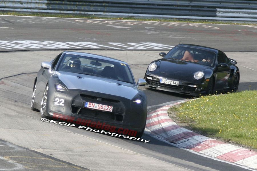 Nissan GT-R vs. Porsche 911 Turbo