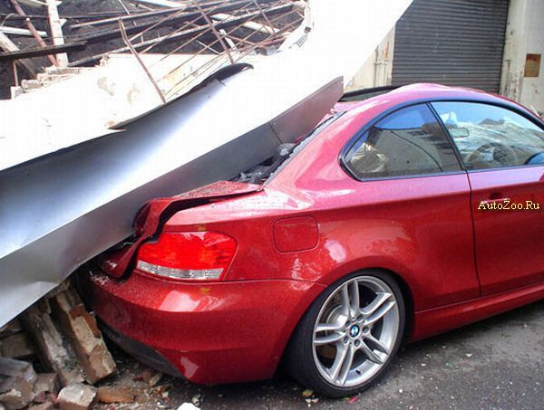 crashed bmw 135i