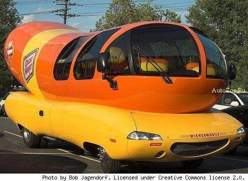 Wienermobile MINI Cooper