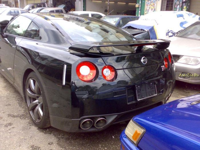 Crashed Nissan GT-R
