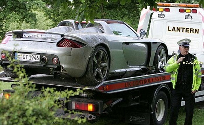 crashed carrera gt