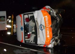 ambulance-crash_20_02_small.jpg
