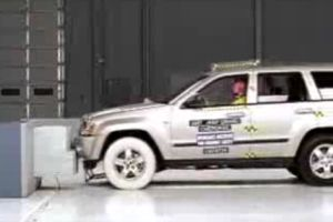 crash-test-jeep.jpg