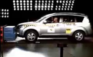 crash-test-outlander-xl.jpg