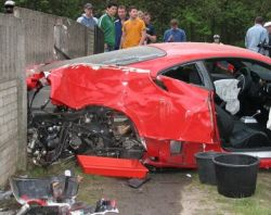 ferrari-crash_11_03_small.jpg