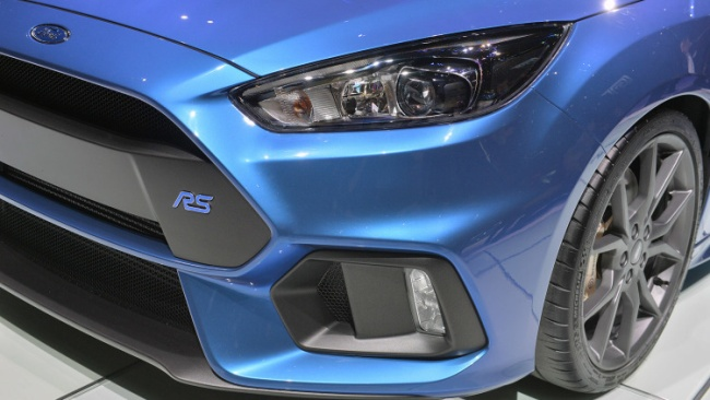 2016-ford-focus-rs-06